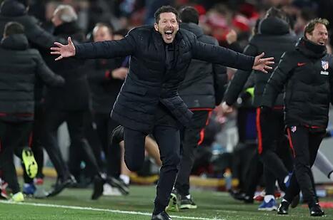 El grito de guerra en Anfield: «¡Llorente, Llorente!»